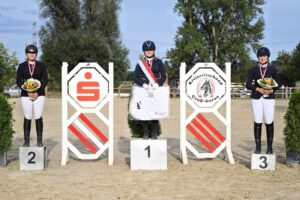 DSC 0541 300x200 - Gelungene Kreismeisterschaften auf dem Burghof